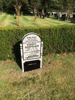 Foto 2 van het album Begraafplaatsen