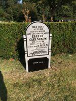 Foto 3 van het album Begraafplaatsen